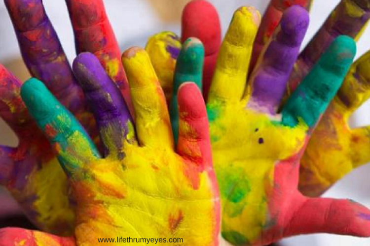 Read These 10 Kids Safety Tips to Celebrate Holi This Year